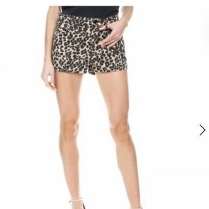 Juicy Couture NWT Leopard Print Girlfriend Shorts